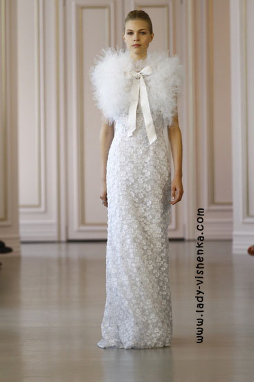 Прямі весільні сукні Oscar De La Renta