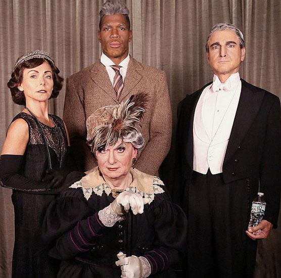 """Знаменитості у костюми на Хеллоуїн - герої серіалу """"Абатство Даунтон"""""""