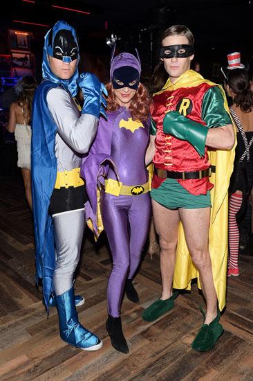 Бетмен, Дівчина Бетмена і Робіна на Хеллоуїн