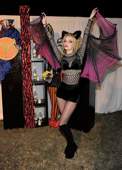 Знаменитості у костюми на Хеллоуїн - Летюча миша