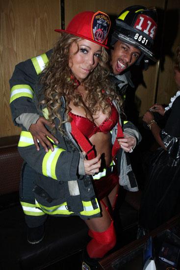 Знаменитості у костюми на Хеллоуїн - пожежники
