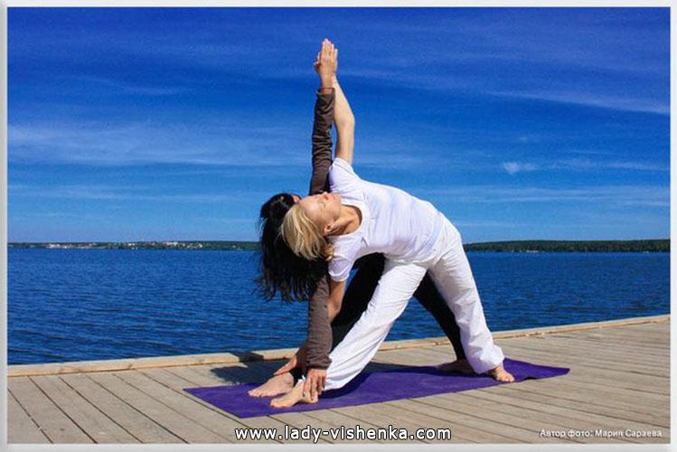 Йога для двох - Подвійний трикутник