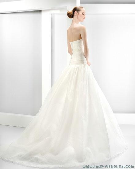 Найбільш весільні сукні Jesus Peiro