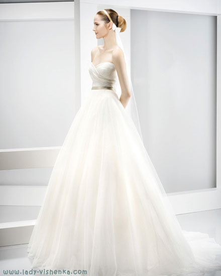 найкрасивіші весільні сукні Jesus Peiro