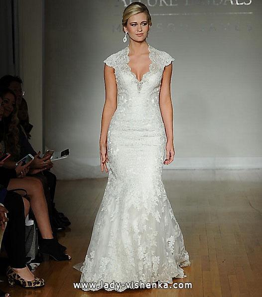 Весільна сукня - рибка з мереживними плечима - Allure