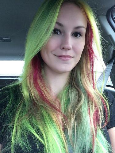 Два кольори волосся - Електрик