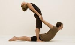 Картинки - йога для двох