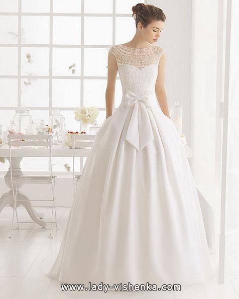 Весільну сукню принцеси з бантом - Aire Barcelona