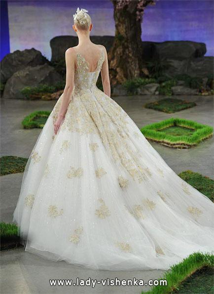 Весільну сукню принцеси зі шлейфом - Ines Di Santo