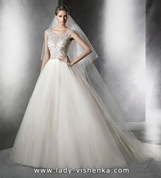 Весільні сукні - фасон принцеса - Pronovias