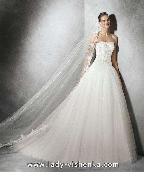 Весільну сукню принцеси з мереживом - Pronovias