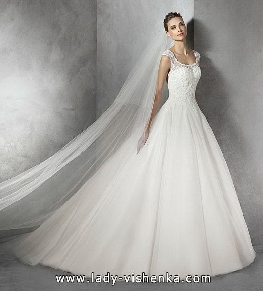 Весільну сукню принцеси зі стразами - Pronovias