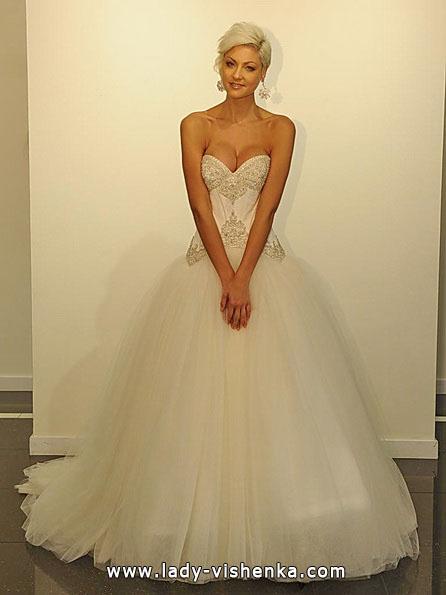 Весільну сукню принцеси 2016 - Victor Harper