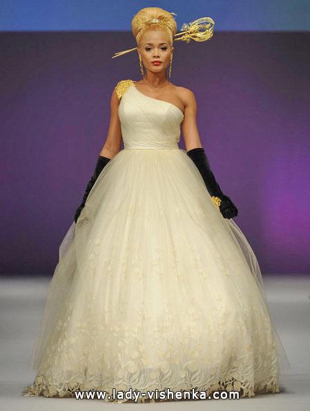 Весільну сукню принцеси 2016 - Yumi Katsura