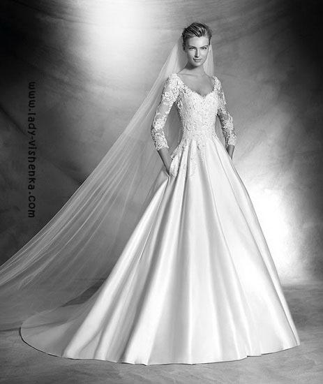 Весільну сукню рік Pronovias