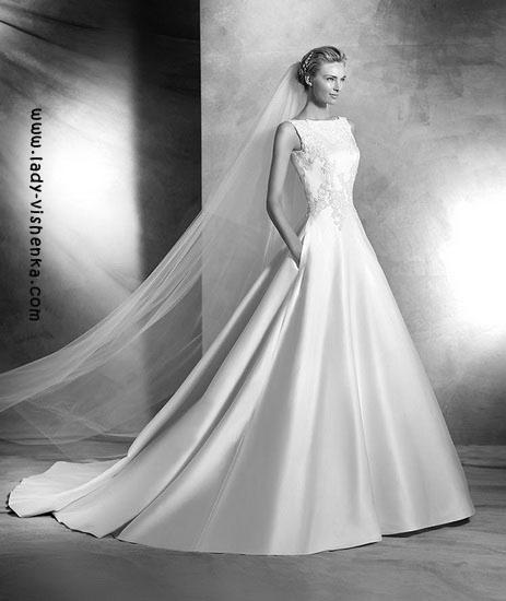 Весільну сукню принцеси Pronovias