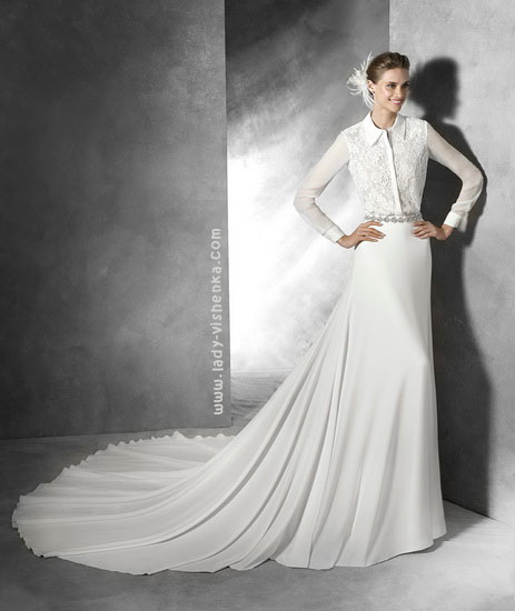 Закрите весільну сукню з шлейфом Pronovias