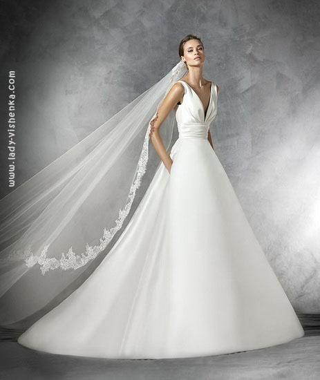 Атласне пишну сукню Pronovias