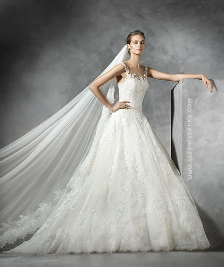 Пишна сукня з мережива Pronovias