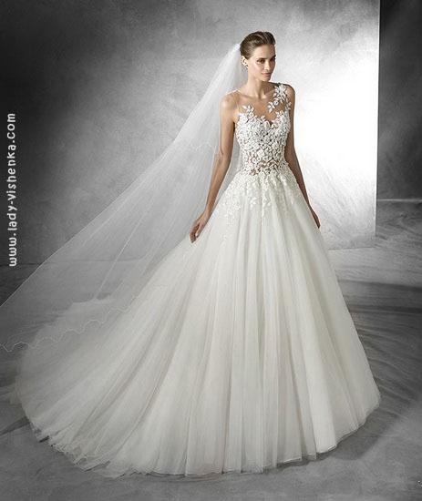 Весільну сукню принцеси з мереживним верхом Pronovias