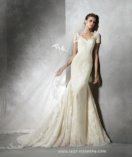 Весільну сукню рибка айворі Pronovias