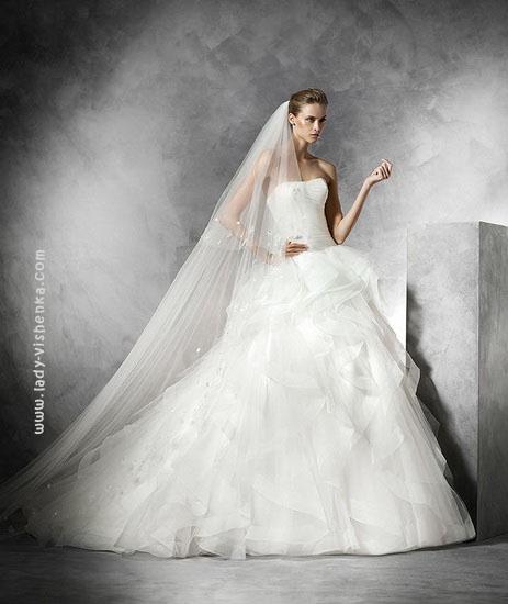 Весільні сукні для принцеси Pronovias