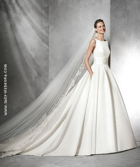 Просте пишна весільна сукня Pronovias