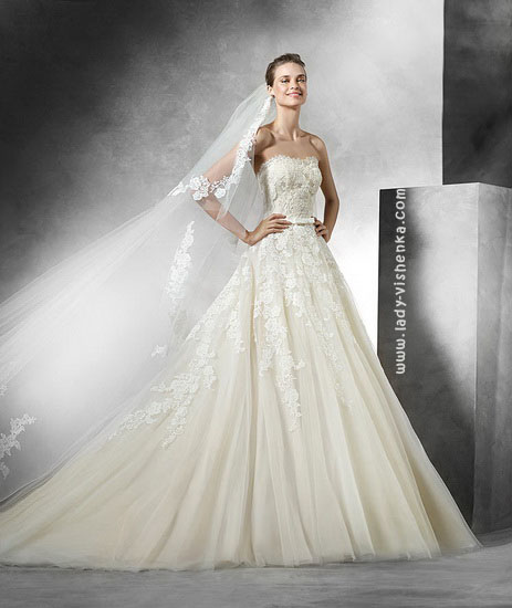 Самі весільні сукні Pronovias