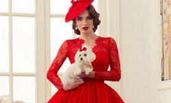Червоне весільне плаття