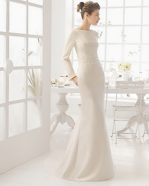 Атласна весільна сукня зі шлейфом - Aire Barcelona фото 2016