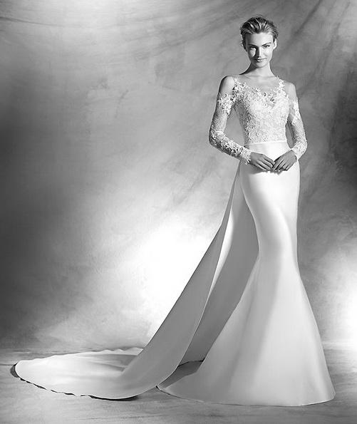 Весільну сукню з атласу з мереживними рукавами і шлейфом - Pronovias 2016