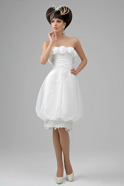Короткий пишне весільне плаття з атласною стрічкою на талії - Tatiana Kaplun