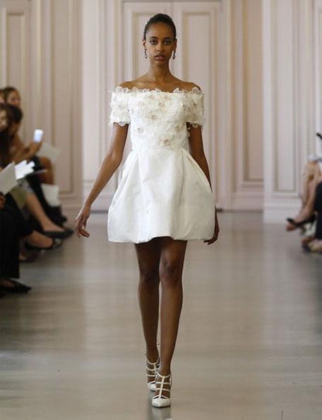 Короткі весільні сукні з рукавами 2016 - Oscar de la Renta
