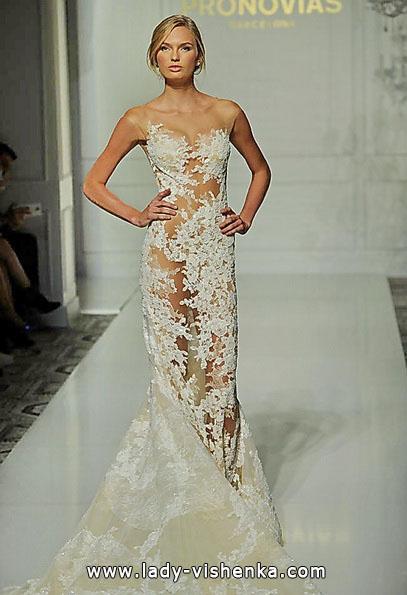 Прозоре весільна сукня Pronovias