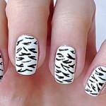 Звіриний дизайн нігтів — Зебра