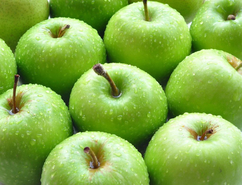 Домашні рецепти краси. Зелене яблуко