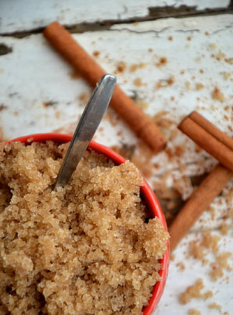 Рецепт цукрового скрабу з ваніллю і корицею