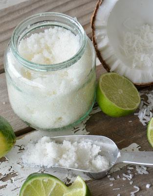 Домашній кокосовий скраб для тіла
