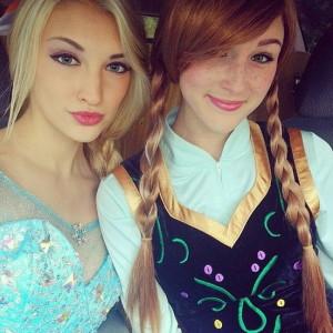 Анна і Ельза на Хеллоуїн