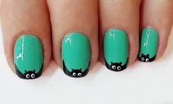 Малюнки на нігтях на Хеллоуїн - кажан