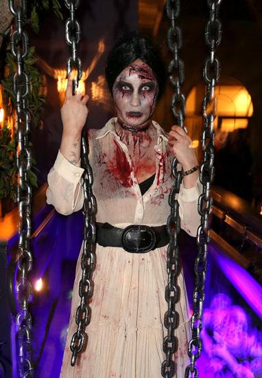 Знаменитості у костюми на Хеллоуїн - Зомбі