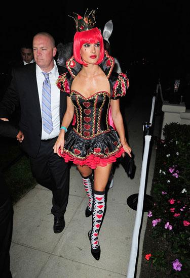 Королева Черв'яків - костюм на Хеллоуїн