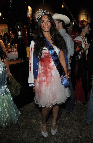 Leona Lewis - Зомбі принцеса на Хеллоуїн
