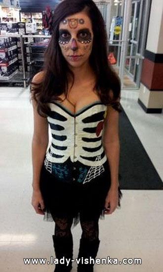 Простий костюм скелета на Хеллоуїн