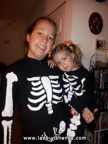 Сім'я Скелетів на Хеллоуїн