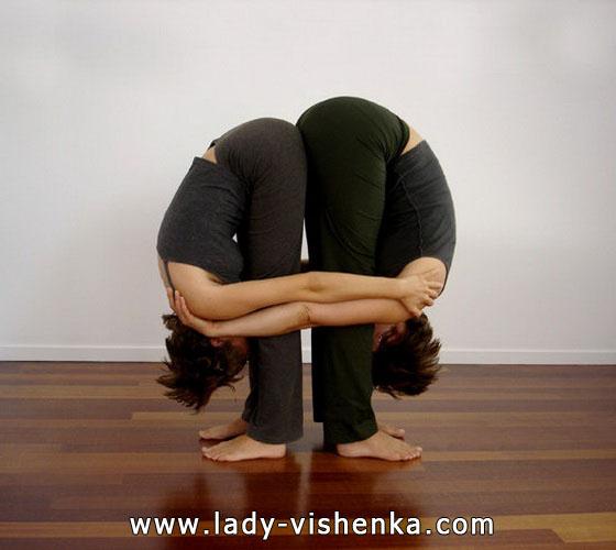 Йога для двох - Подвійний нахил вперед стоячи