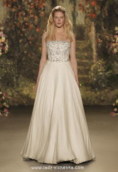 Весільні сукні зі стразами