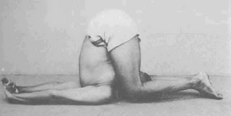 Складні пози йоги лежачи