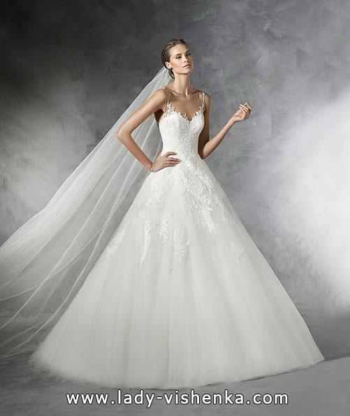 пишне Весільне мереживне плаття Pronovias