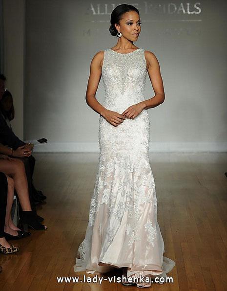 Мереживне весільне плаття рибка з шлейфом - Allure